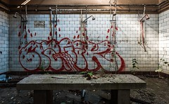 Magik Showers (Nils Grudzielski) Tags: lostplaces abandonedplaces urbanexploration decay marode ruin rotten shower bad old verlasseneorte dusche indoor