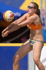 P5281589 (roel.ubels) Tags: beach st sint beachvolleyball volleyball volleybal 2012 vrouwen beachvolleybal eredivisie anthonis