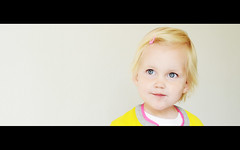 Danee 3 (Pascal Lagarde) Tags: pink girl smile yellow hair clip 2yearsold 26monthsold danee
