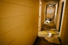 no work (Sam Scholes) Tags: building abandoned yellow trash digital hall utah office garbage chair nikon mine tan mining hallway coal officechair hiawatha d300 kingcoal kingmine usfco unitedstatesfuelcompany