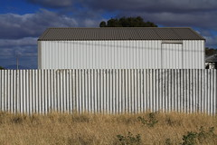 fence and shed, Parachilna
