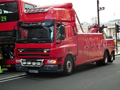 Sovereign Recovery DAF CF (kenjonbro) Tags: uk red london westminster trafalgarsquare charingcross cf towtruck sw1 daf londongeneral londoncentral heavyrecovery kenjonbro sovereignrecovery fujihs10 keepinglondonmoving gn58ktx
