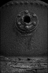 xido4B&W (Javier Zalba (www.javierzalba.com)) Tags: metal tornillo hierro xido engranaje tuerca