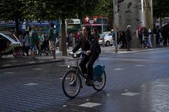 Dublin Cycle Chic_7 (Mikael Colville-Andersen) Tags: ireland dublin fashion bike bicycle cycling blog irland eire bici chic mode fahrrad vélo sykkel cykel bicicletta cykling streetstyle girlsonbikes cyclechic copenhagencyclechic cykelpige