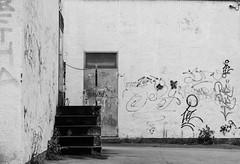 Walls (Funyiroember) Tags: graffity graffiti walls streetphotography streetphoto blackandwhite monochrome nikon nikond3300 amateur amateurphotography urban city bw