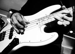 Fririk Sturluson (Brynja Eldon) Tags: brynjaeldon slin slinhansjnsmns salin bassi bass fririksturluson bassplayer fs frikki spot spotkpavogi skemmtistaurinn gigg slarball whitebass hvtur sland iceland stefnhilmarsson gumundurjnsson jenshansson jhannhjrleifsson