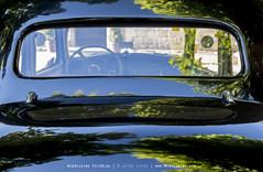 Mimetismo a motor - motor mimicry (www.webdejaime.com) Tags: webdejaime mimetismoamotor citroen11 reflejos reflections coche car motor
