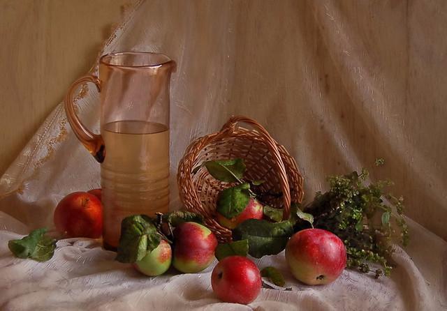Яблочный спас вКиеве: медовая ярмарка, выставка цветов икино просто неба