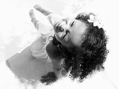 Joie de vivre (Des Gots et des Couleurs) Tags: france valence piscine eau portrait visage visagesdumonde enfance enfant petitefille noiretblanc fleur sourire