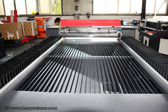12002400mm With 130W Laser Engraver/Cutter For Sale. (haoyuelaser) Tags: lasermarking lasercutter laserengraver cncrouter cortelaser laserengrav lasermachine cutter