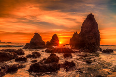 Breaking Through (Simon Huynh) Tags: rodeobeach rock stars wave water waterscapes clouds