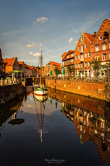 Stade (rian.krenzer) Tags: sunshine sun canal houses foliage hanse travel water germany city stade northerngermany autumn town foilage niedersachsen de