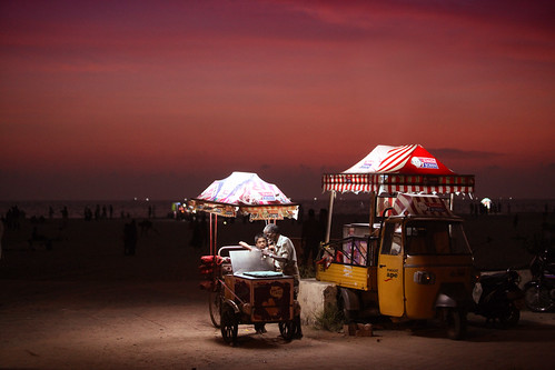 Uncle John Ice Cream @ Alleppey beach, Kerala (VinothChandar) pictures light sky india color beach canon photography photo colorful photos picture pic kerala icecream 5d vendor alleppey vendors alapuzha nighttwilight