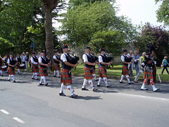 Rose and Thistle Pipes and Drums (jane_sanders) Tags: drums sussex westsussex jubilee pipes procession bagpipes gala chichester roseandthistle diamondjubilee roseandthistlepipesanddrums galaprocession