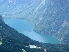 Eagles Nest / Lake View 7948 (Mr.J.Martin) Tags: mountain alps germany bayern bavaria berchtesgaden nazi hitler headquarters snowcapped climbing alpine chalet eaglesnest kehlsteinhaus obersalzberg mountainpeak kehlstein adolphhitler hohergll evabraun