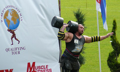 Ed Hall Giant Dumbell Press (Point Break Pete) Tags: man colin stadium live leeds bryce giants flex press strongman powerlifting dumbell strongest headingly wsm ironmind europes