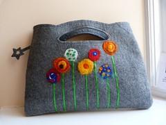 P1100330 (800x600) (creativecardsbysarah) Tags: bag felting needle