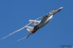 Mikoyan MiG-29A 'Fulcrum', Polish Airforce (AviationPhoto.ch) Tags: plane canon airplane flying aviation flight technik airshow veranstaltung flugzeug aerobatics lightroom fairford fliegen flugtag riat flug airdisplay royalinternationalairtattoo luftfahrt kunstflug raffairford airtattoo flugschau adobelightroom luftfahrzeug ef100400mmf4556lisusm lr4 friat formationsflug canoneos7d elessarch aerobatik processedwithadobelightroom royalinternationalairtattoo2012 fiendsoftheroyalinternationalairtattoo 1207071143247546 aviationphotoch wwwaviationphotoch