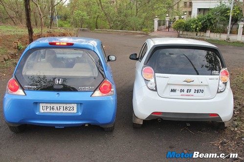 Chevrolet-Beat-vs-Honda-Brio-25
