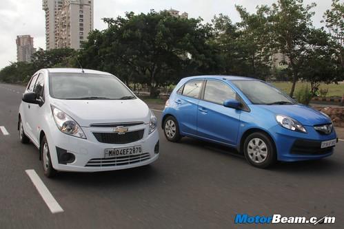 Chevrolet-Beat-vs-Honda-Brio-09