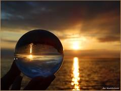 Sonnenkugel (der bischheimer) Tags: kugel crystal ball ostsee poel sonnenuntergang timmendort strand derbischheimer