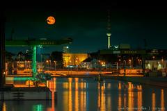 _DSC3937-1web (oolcgoo) Tags: berlin germany europe europa hafen westhafen city cityscape sony slt tamron 70200mm f28 fernsehturm television tower citylights mond moon mitte moabit alpha amount apsc adobe a77mii industrie night nacht architektur