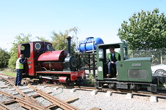 IMG_4924 (Hampton & Kempton Waterworks Railway.) Tags: darent alister arrives loop