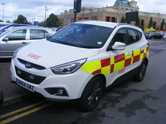 4706 - MA - BN64 UWZ - 104 (Call the Cops 999) Tags: uk gb united kingdom great britain england 999 112 emergency service services vehicle vehicles trafford centre greater manchester thursday 4 august 2016 ma airport hyundai ix35 crdi battenburg crest