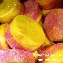 (i.am.rebecca) Tags: selfpreserving ethical luxury cosmetics handmade fresh hull lushhull lush yellow pink snowfairy candy melt bathoil meltingmarshmallowmoment mmm