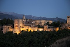 alhambra at night (Jonatan Cunha) Tags: spain granada andaluzia alhambra alambra erasmus trip vacance travel pointview miradouro vista landscape