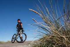Winni Jørgensen på mountainbike (Jahoa12) Tags: mountainbike danmark nordjylland løkken europa vesterhavet vendsyssel jylland cykel regionnordjylland winnijørgensen saltum kvinde mountainbiker mountainbiking seniorsport