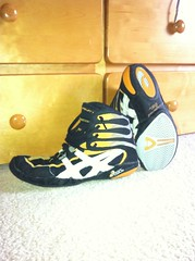 Size 10 fit big yellow P2s ****GONE**** (SEPAstuds) Tags: nike asics size10 nitros p2s size95 rarewrestlingshoes pursuit2s