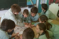 Taller escola 190312 836 (Vilanova i la Geltrú) Tags: les de la el vilanova ciutat programa visiten escoles dins geltrú lajuntament coneixelnostreajuntament