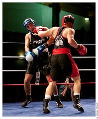 """Gala de Boxe 5 mai 2012 : 7me combat Antoine """"Tyzeur Soldat Fou"""" (BCSQY) contre Amir (Rosny-sous-Bois) (Olivier PRIEUR) Tags: boxer boxing boxe boxeur elancourt bcsqy antoinetyzeursoldatfou tanguyfarrugia"""