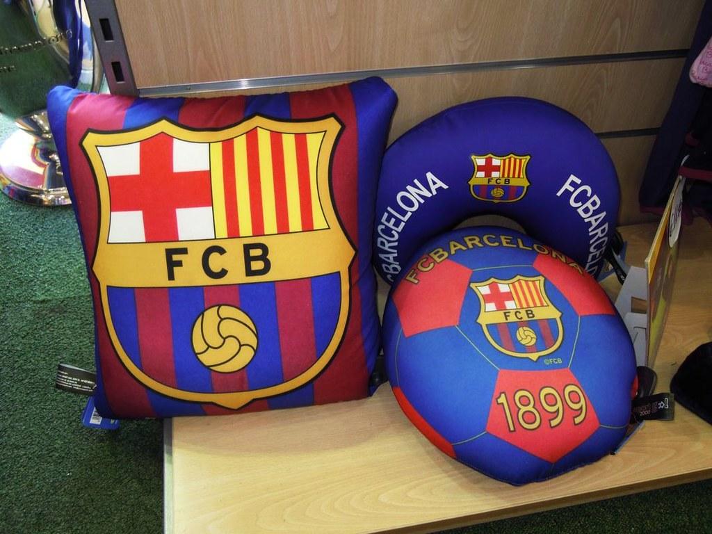 Regalos oficiales Barça (MAGIC TEAM FCBARCELONA STORE) Tags  barcelona  original shop shirt store 65bd0d3484