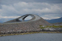 Atlantikstrae (TimoSchnfeldt) Tags: skandinavien norwegen architektur brcke bauwerk strase atlantikstrase
