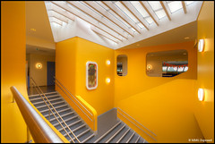 Primary School 'De Vogelhorst' (Martino Zegwaard ~ over 10 million hits, thanks!) Tags: netherlands architecture modern stairs photography design stair contemporary staircase martino architectuur primaryschool zegwaard mmgzegwaard martinozegwaard devogelhorst dvua