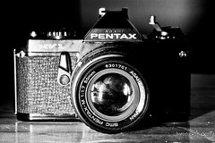 camera porn 1 (bwongwongwong) Tags: blackwhite 100mm flashphotography grubby naturemorte cameraporn mauritian stobist smcpentaxm5017 pentaxasahimv1