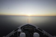 0712 (Achintya-Bheda-Abheda-Tattva) Tags: ship sea sunset mare nave tramonto orizzonte horizon