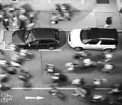 Rush Hour (C_MC_FL) Tags: people car stop motion blur street parked bw blackandwhite blackwhite canon eos 60d tamron a007 2470 vienna personen leute auto bewegung bewegungsunschrfe strase geparkt sw schwarzweis wien fotografie photography many viele revolution