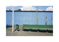 green bench (ha*voc) Tags: minoltacle minoltarokkor40mmf2 rokkor rangefinder film 35mmfilm fuji160pros urban amsterdam urbanfragments urbandetails urbanabstraction