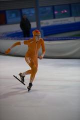 A37W7211 (rieshug 1) Tags: speedskating schaatsen eisschnelllauf skating nkjunioren knsb nkjuniorenallroundafstanden afstanden allround 50010001500massstart demeent alkmaar sportcomplexdemeent juniorenc ladies dames 500m