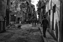 street7 (locofotocuba66) Tags: film negativo negatif cuba color bw traditional photgraphy
