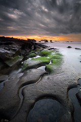 Curvy (eggysayoga) Tags: mengening bali indonesia asia fuji fujifilm xt1 landscape portscape seascape moss green sunset long exposure motion cloud samyang rokinon bower 12mm ncs cs f2 wide lee filter 09 hard gnd graduated nd haida nd1000 nd30 big stopper arch rock rocky water sea outdoor coast shore serene seaside ocean formation beach curve curvy cloudy