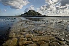 ST. MICHAEL'S MOUNT CAUSWAY. PENZANCE. (IMAGES OF WALES.... (TIMWOOD)) Tags: wood blue sunset sea white green reflections boats island islands tim high fishing sand rocks cornwall gallery sony windy www stormy com alpha winds isles scilly duchy scillies a700