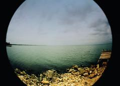 Dock (Gustavo Eduardo V) Tags: film iso400 fujifilm processc41 fujicolorsuperiaxtra lomofisheye1