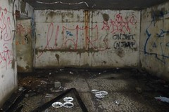 It's a trap! (pop archaeologist) Tags: entropy decay horror forttilden kippel abandonedroom