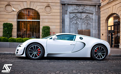 White pearl (A.G. Photographe) Tags: paris france sport 35mm french nikon raw ag fx bugatti hdr parisian supercars veyron anto d800 supersport parisienne xiii parisien hdr1raw 35mm14 antoxiii photoengine oloneo agphotographe hdrengine