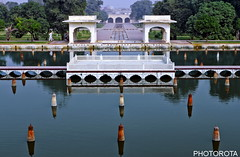 SHALIMAR GARDEN (PHOTOROTA) Tags: pakistan reflection colors canon garden flickr punjab lahore abid greatphotographers flickraward concordians goldstaraward ringexcellence photorota