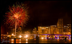 Miami celebrates the 4th (jeannie'spix) Tags: fireworks miami 2012 watsonisland bej miamifireworks miami2012